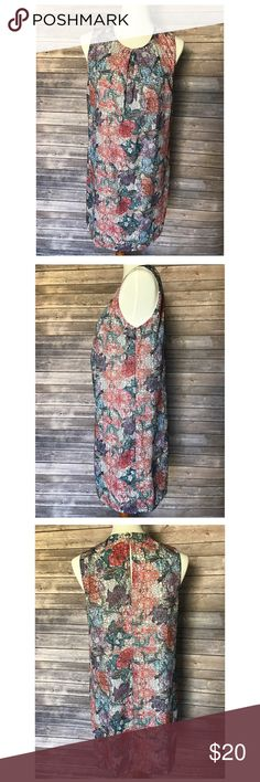 """H&M Sleeveless Dress Gorgeous design and color. Knee length. Clasp closure on back of dress. Size 8. Polyester Material. Lined dress. Total length is approximately 34.5"""" and underarm to underarm measured flat is about 17"""". Only used once. Excellent condition- no stains or damages. Clasp on back is a little tarnished as shown in photo. Perfect for the Summer! H&M Dresses Midi"""