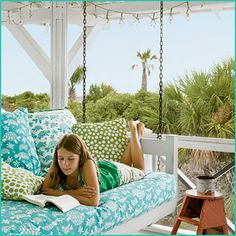 been thinking of changing out my porch swing to a day bed - this looks like what I want!