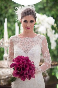 Vestido de noiva com transparência - Casamento moderno Tiffany's Bridal, Bridal Tiara, Bride Bouquets, Flower Bouquet Wedding, Striped Wedding, Wedding Colors, Wedding Ideas, Wedding Dresses, Bridal Hairstyles