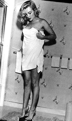 I'm a sucker for a girl in a towel. Marilyn Monroe, c. 1950.