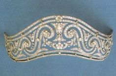 Crown and tiaras - Garland Style Diamond Tiara.JPG