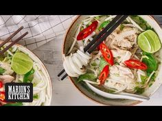 My guide to how to make Vietnamese Chicken Pho Noodle Soup. The best chicken noodle soup recipe and one you'll be coming back to time and again. Vietnamese Chicken Soup, Chicken Pho, How To Cook Chicken, Best Chicken Noodle Soup, Pho Noodle Soup, Asian Recipes, New Recipes, Soup Recipes, Ethnic Recipes