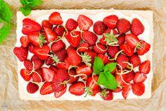 Saras Cupcakery: Oh du schöne Erdbeerzeit! {Erdbeerkuchen mit Puddingcreme}