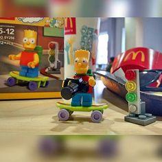 Regalito de Mi para Mi HBD adelantado.... Bart Simpsons con camara #bart #lossimpsons #losimpson #lossimpson #happy #regalito #me&me # hbd #lego #22piezas #loveit #instapic #patineta #camara # @nocrop_rc #rcnocrop