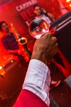 Contrate artistas circenses para eventos empresariais em Salvador Bahia. Contate-nos humorecirco@gmail.com (11) 97319 0871 (21) 99709 6864 (73) 99161 9861 whatsapp. Salvador, Humor, Giant Bubbles, Bahia, Artists, Corporate Events, Savior, Humour, Funny Photos