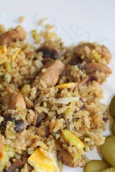 Nasi zonder pakje en zakjes. Makkelijke versie:  Gemberpoeder Koriander Kurkuma Knoflook Zout en Peper Sambal Badjak