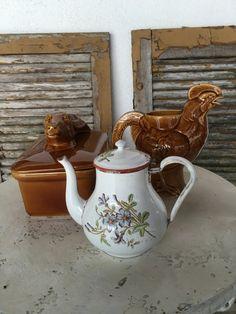 Vintage Antique Graniteware Enamelware Teapot , Flowers
