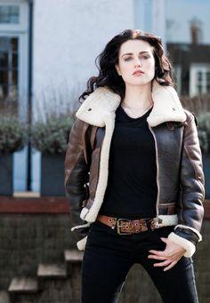 parscilla Katie McGrath by Sven Arnstein. Lena Luthor, Intelligent Women, Shes Perfect, Katie Mcgrath, Attractive People, Supergirl, Beautiful Actresses, Beauty Women, Beautiful Women