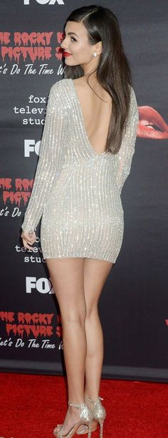Victoria Justice, the multi-talented long-legged sexy sweethear Victoria Justice Outfits, Classy Women, Sexy Women, Vicky Justice, Victorious Justice, Hot Country Girls, Celebrity Photography, Actrices Hollywood, Female Poses