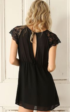 Vestido encaje manga corta-negro 10.11