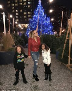 Mariah Carey found the perfect Christmas tree with her adorable six-year-old twins Moroccan and Monroe in New York on Sunday night Mariah Carey Music, Mariah Carey Christmas, Bryan Tanaka, Music Artists, Boyfriend, Beautiful Women, The Incredibles, Singer, Actresses