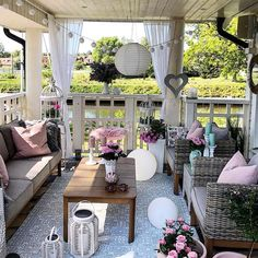34 Beautiful Front Porch Decor Ideas With Bohemian Style Diy Furniture Couch, Balcony Furniture, Outdoor Furniture Sets, Outdoor Rooms, Outdoor Living, Outdoor Decor, Gazebos, Outside Living, House With Porch