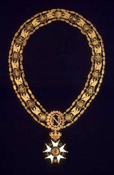 (1764-1843): Collier Gran Maestro de la Orden de la Legión de Honor que perteneció a Napoleón Bonaparte (1807 - Museo del Ejército)