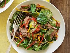 Thai beef salad recipe - By Real Living, Light, fresh and packed full of flavour, this delicious Thai beef salad is a classic Asian dish, perfect for a healthy lunch or dinner. Asian Recipes, Beef Recipes, Cooking Recipes, Healthy Recipes, Ethnic Recipes, Savoury Recipes, Thai Beef Salad, Asian Cooking, Salads