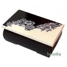 Discover thousands of images about decoupage box ideas ile ilgili görsel sonucu Decoupage Vintage, Decoupage Box, Jewellery Boxes, Jewelry Box, Painted Wooden Boxes, Diy Notebook, Pretty Box, Blue Wood, Clay Design