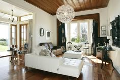 Hawkes Bay, New Zealand villa :: Habitat of the Week : Resene Half Spanish White walls