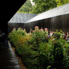 Peter Zumthor Serpentine Pavilion in the rain: