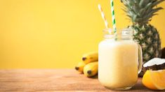 Michael Symon's Morning Smoothie: This smoothie recipe is a healthy, energizing breakfast replacement. Avocado Smoothie, Smoothie Drinks, Healthy Morning Smoothies, Beef Tenderloin Roast, Pork Roast, Healthy Meat Recipes, Healthy Food, Vegan Recipes, Healthy Eating