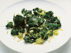 Avokado- och grönkålssallad | Recept.nu