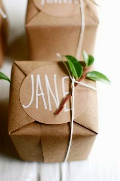 Holiday gift wrapping ideas #Christmas #gift #wrapping ideas