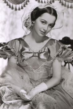 OliviaDeHavilland in Gone With The Wind.