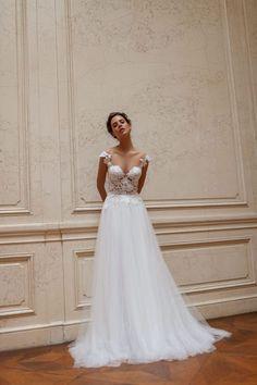Lace Wedding, Wedding Dresses, Wedding Inspiration, Formal Dresses, Mirror, Check, Fashion, Bride Dresses, Dresses For Formal
