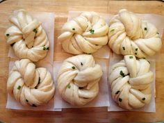 Hua Juan (Steamed Scallion Buns) recipe