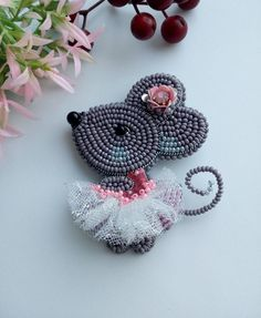 Brooch mouse gray New Year Gift mouse Christmas present Mouse bead : Brooch mouse gray New Year Gift mouse Christmas present Mouse Bead Embroidery Jewelry, Beaded Jewelry Patterns, Beaded Embroidery, Bracelet Patterns, Seed Bead Patterns, Beading Patterns, Stitch Patterns, Art Perle, Bijoux Fil Aluminium