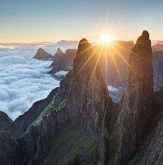 Mnweni Pinnacles Sunrise in KwaZulu-Natal (South Africa) by Alexander Nail x Kwazulu Natal, Mountain Photography, Landscape Photographers, Mother Nature, Monument Valley, South Africa, Natural Beauty, Sunrise, Waterfall