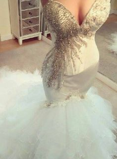 $239-2016 Crystals Beaded Mermaid Wedding Dresses Sweetheart Neck Ruffles Tiers Train Sexy Bridal Gowns