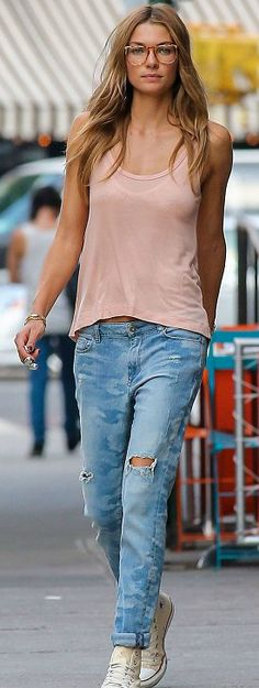 Comfy Jessica Hart casual, ripped jeans, tank top and Converse