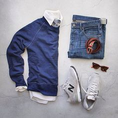 Outfit grid - Blue sweater & jeans