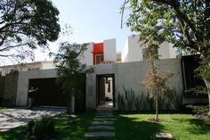 Acceso principal a casa RC de Lassala+Orozco arquitectos