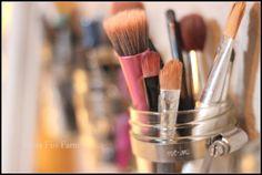A quick makeup storage DIY