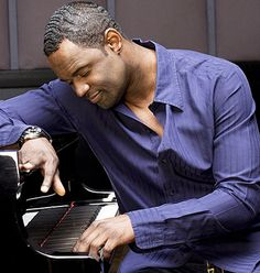 Listen to music from Brian McKnight like Back at One, One Last Cry & more. Find the latest tracks, albums, and images from Brian McKnight. Music Icon, Soul Music, Music Is Life, Brian Mcknight, New Jack Swing, Soul Singers, Piano Man, R&b Soul, Sing To Me