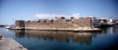 Boat pasing Venetian Fort  in #Ierapetra.    Ενετικό Φρούριο (Καλές) στην Ιεράπετρα  Photo by Muba . Mount Rushmore, Mountains, Nature, Travel, Naturaleza, Viajes, Trips, Off Grid, Natural