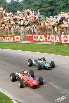 #4 Mike Parkes (GB) - Ferrari 312 (Ferrari V12) 2 (1) Scuderia Ferrari SpA Sefac #12 Denny Hulme (NZ) - Brabham BT20 (Repco V8) 3 (10) Brabham Racing Organisation