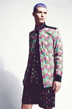 49 Eccentrically Patterned Menswear Looks - From 90s Pop Culture Tees to Printed Sci-Fi Sportswear (TOPLIST)