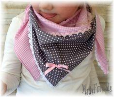 Dreieckstuch ♥ Pünktchen ♥ grau / rosa ( Nr.5 ) von Blumenmädchen auf DaWanda.com