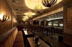 Trunk Bar at the Radisson Blu Edwardian Grafton Hotel, London Deco Louis Poulsen Artichoke Cool Lighting, Lighting Design, Hotel Corridor, Flush Ceiling Lights, Ceiling Lighting, London Hotels, Smoking Room, Front Desk, Table