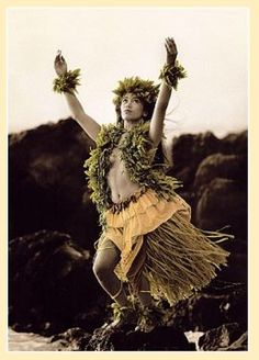 Hawaii-Hula Dancing - I'm going to learn a dance before we get to Hawaii and perform it there! Hawaiian Dancers, Hawaiian Art, Hawaiian Quotes, Hawaiian Legends, Hawaiian Girls, Polynesian Dance, Polynesian Culture, Polynesian People, Hawaii Hula