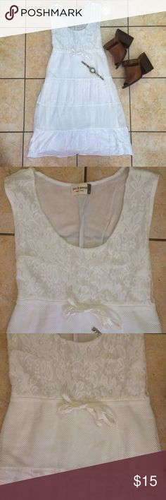 💚SALE.!!💚🌸NWOT Boho Dress 🌸 Never used NWOT white, flowy dress in size medium but runs a tad small. Would look great with a brown leather belt at the waist.! 💕💕 jon & anna Dresses Midi