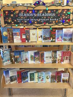 December display - Yule love these festive books School Library Displays, Middle School Libraries, Elementary School Library, Library Themes, Library Activities, Library Ideas, Library Bulletin Boards, School Librarian, Susa