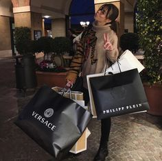 Discovered by Find images and videos about fashion style, inspi inspiration and luxury luxe nude on We Heart It - the app to get lost in what you love. Luxury Lifestyle Women, Rich Lifestyle, Wealthy Lifestyle, Billionaire Lifestyle, Luxe Life, Rich Kids, Girly, Victoria, Luxury Shop