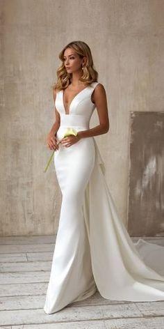 Unique Wedding Gowns, Pretty Wedding Dresses, Wedding Dress Trends, Elegant Wedding Dress, Wedding Dress Styles, Wedding Attire, Bridal Dresses, Beautiful Dresses, Bridesmaid Dresses