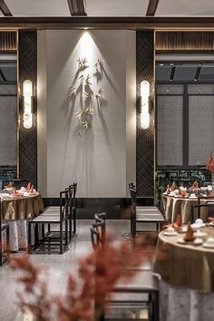 The Han Shang Lou restaurant locates at the Phoenix island of Xiangqiao District in Chaozhou, Guangdong Province, where the island is one . Restaurant Plan, Restaurant Concept, Modern Restaurant, Restaurant Interior Design, Chinese Restaurant, Hall Interior, Luxury Interior, Function Room, Luxury Dining Room