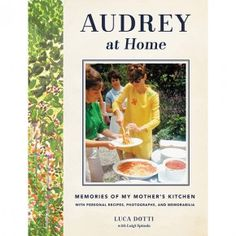 HOW TO MAKE AUDREY HEPBURN'S FAVORITE SPAGHETTI AL POMODORO (note typo: add pasta Not paste)