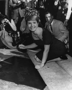 """""""Here's Debbie Reynolds at her imprint ceremony in You can watch her in Singin' in the Rain on today at 3 pm pt as part of You might recognize the movie theatre too! Hooray For Hollywood, Hollywood Walk Of Fame, Golden Age Of Hollywood, Vintage Hollywood, Hollywood Stars, Classic Hollywood, Hollywood Icons, Classic Actresses, Actors & Actresses"""