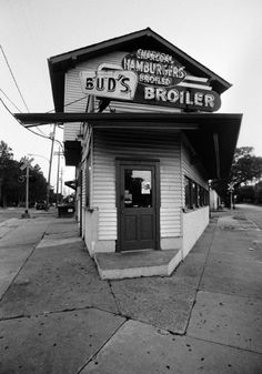 Bud's Broiler, New Orleans. Photo by Skip Bolen.