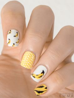 I am not particularly fond of nail art but who can resist to Andy Warhol Banana